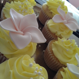 Lemon Cupcakes with Lemon Chiffon Filling