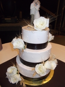buttercreamwheatweddingcake_10