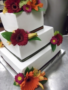 fallflowersbuttercreamweddingcake_53