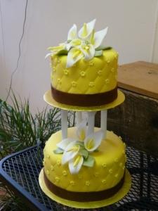 yellowcallalilyweddingcake_2