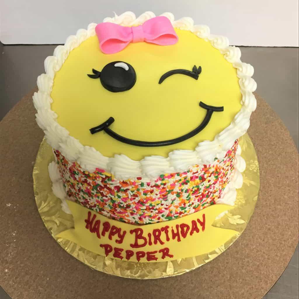Wink Emoji Birthday Cake e1569278537952